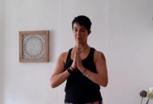 Yoga am Feiertag – Anja P. (Hybrid)